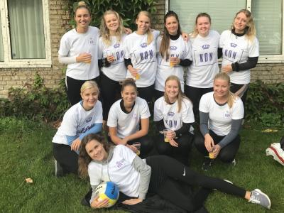 Volley til Danmarks Største Fredagsbar